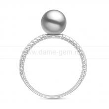 Кольцо из золота с серебристой жемчужиной Акойя. Артикул 11654
