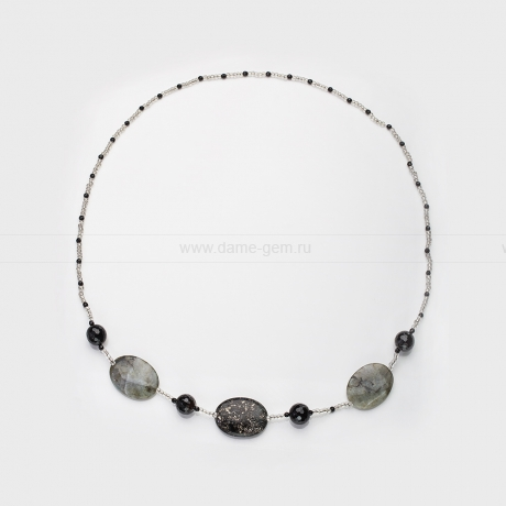 Бусы из кварца и агата, украшенные бисером. Артикул 12646